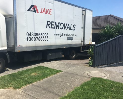 Furniture Removalists Mentone to Beaumaris | Jake Move